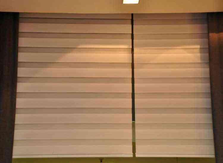 Lâminas permitem controle nos movimentos de abrir e fechar, o que colabora com a privacidade - Eduardo de Almeida/RA studio