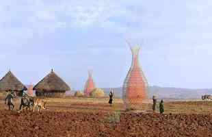 Torre de bambu transforma umidade do ar em água potável