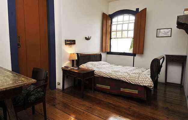 Cama que pertenceu a Elizabeth Bishop faz parte do mobiliário da casa - Maria Tereza Correia/EM/D.A Press
