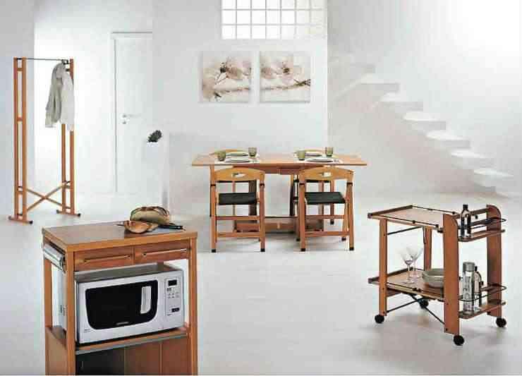 Móveis exclusivos criados pela marca italiana Foppapedretti:  mesas extensíveis, bancos que viram mesas, cadeiras dobráveis, sapateiras, varais ou cômodas - Foppapedretti/Divulgação