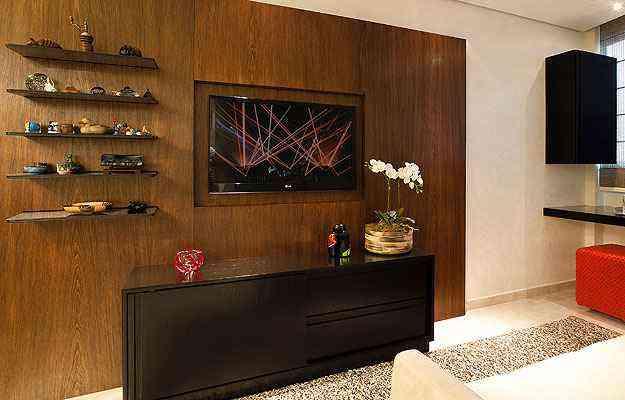 A arquiteta e designer de interiores Valéria Alves prefere nichos para organizar os pequenos objetos - Arquivo Pessoal/Divulgação