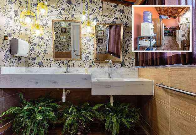 Área do terraço que era inutilizada ganhou um lavabo projetado pelo designer Luciano Costa - Osvaldo Castro/Divulgação