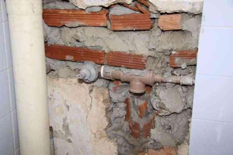 É possível fazer intervenção para revitalizar a rede hidráulica, por exemplo, sem muita quebradeira - Gladyston Rodrigues/EM/D.A Press - 17/7/09