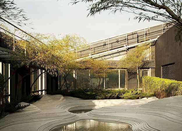 O paisagista Gilberto Elkis idealizou o seu espaço a partir da instalação