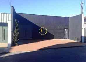 Casa Comercial, 1 Quarto, 4 Vagas em Rua Brumadinho, Prado, Belo Horizonte, MG valor de R$ 1.300.000,00 no Lugar Certo