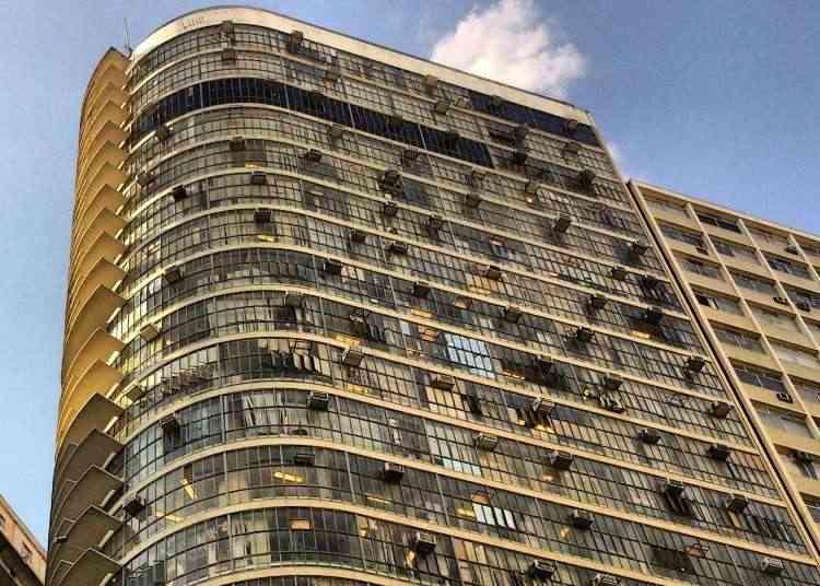Edifício Bemge, um dos mais antigos da cidade, faz parte da história da capital mineira - Alexandre Guzanshe/EM/D.A Press