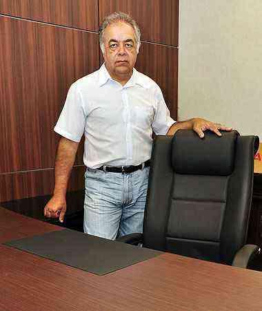 A escolha correta dos móveis de uma empresa é tão importante quanto a de um bom profissional, na opinião do consultor Derly Araujo - Eduardo de Almeida/RA Studio