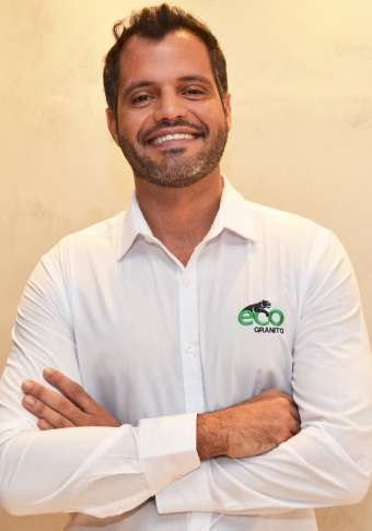 Renato Las Casas, diretor comercial da Ecogranito, destaca a sustentabilidade do produto  - Ecogranito/Divulgação