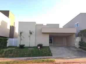 Casa em Condomínio, 5 Quartos, 4 Vagas, 4 Suites