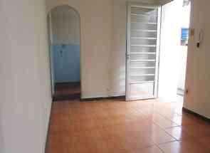 Casa, 2 Quartos para alugar em Rua Alabastro, Sagrada Família, Belo Horizonte, MG valor de R$ 700,00 no Lugar Certo