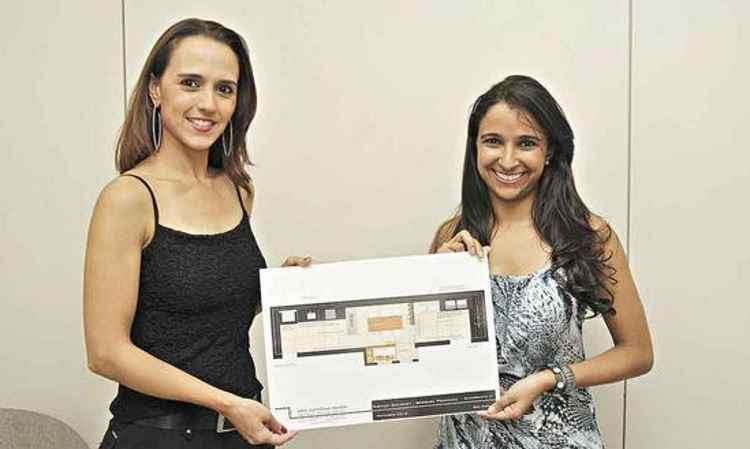 Arquiteta Ana Carolina Matos entrega o projeto para a assinante Bárbara Ponciano - Juarez Rodrigues/EM/D.A Press