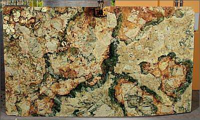 Granitos exóticos conferem exclusividade aos ambientes e seu uso na construção civil tem aumentado nos últimos anos - Santo Antonio Granitos/Divulgação