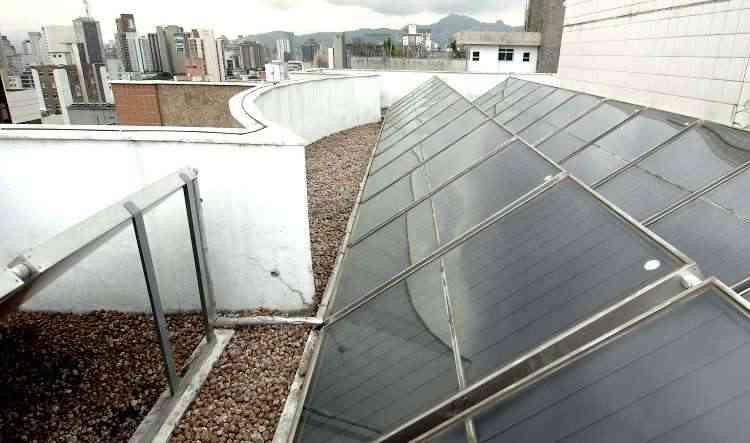O sistema fotovoltaico economiza até 90% na conta de luz, tem baixo custo de manutenção e é importante fator de sustentabilidade  - Juarez Rodrigues/EM/D.A Press - 16/5/09
