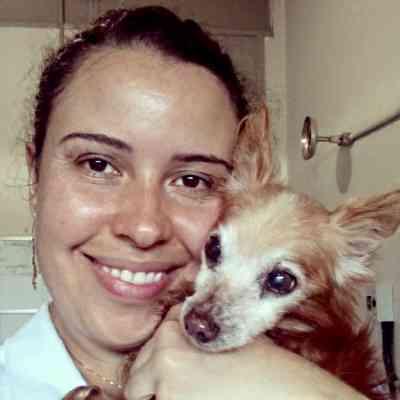 A veterinária Mariana da Silva Figueiredo mora em apartamento com seu cão Billy há 8 anos e conta que ele nunca deu trabalho - Arquivo Pessoal