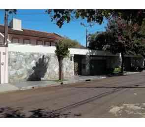 Casa, 3 Quartos, 5 Vagas, 3 Suites