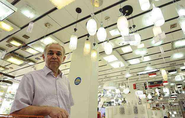 Ronaldo Garcia, diretor-geral da Santa Cruz Acabamentos, destaca a expansão da empresa no que se refere a iluminação e esquadrias - Jair Amaral/EM/D.A Press