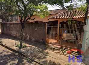 Casa, 2 Quartos, 1 Vaga para alugar em Antares, Londrina, PR valor de R$ 850,00 no Lugar Certo