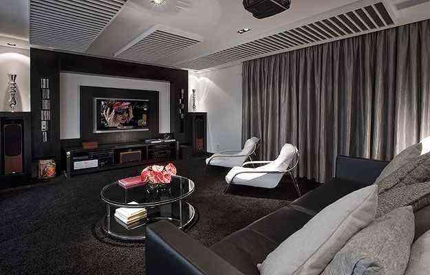Escolher móveis confortáveis é essencial para ter boas horas de diversão com a família e com os amigos - Evaldo Rios/Divulgação