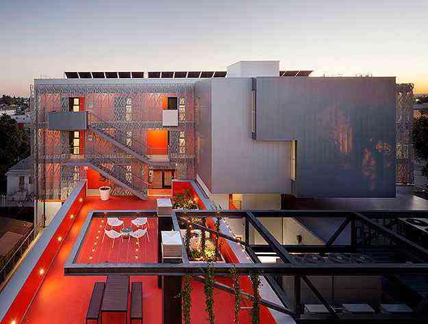 28th Street Apartments por  Koning Eizenberg Architecture - Divulgação/AIA