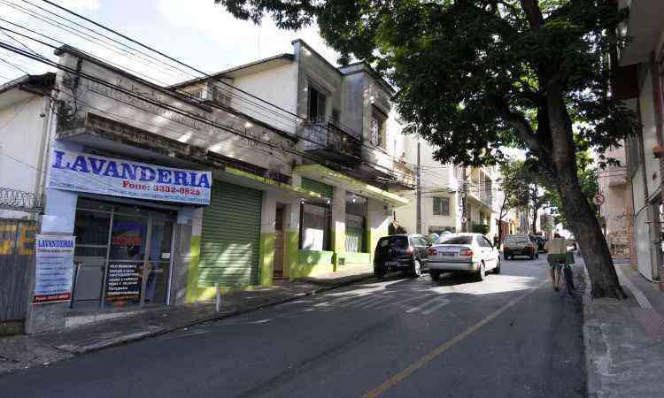 Rua Campos Elísios é cheia de comércio e um dos principais corredores do bairro - Gladyston Rodrigues/EM/D.A Press