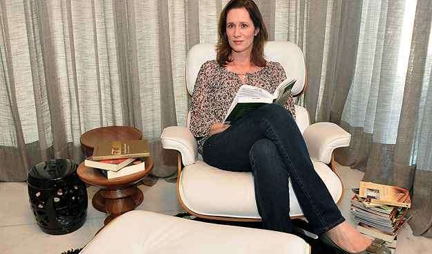 O espaço de leitura deve ser inserido em um local tranquilo e com elementos que garantem conforto ao usuário, segundo a arquiteta Fernanda Ferreira - Eduardo de Almeida/RA studio.