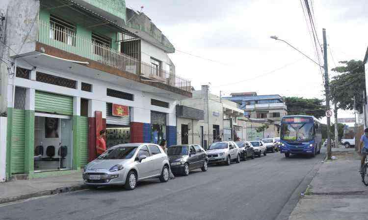 Comércio é intenso e variado na Rua Julita Nogueira Soares, uma das principais vias - Juarez Rodrigues/EM/D.A Press