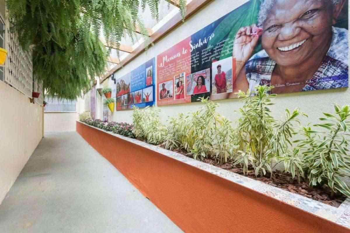 Projeto revitalizou por completo a sede das Meninas de Sinhá, em BH. Na foto, ambiente do centro cultural depois da reforma