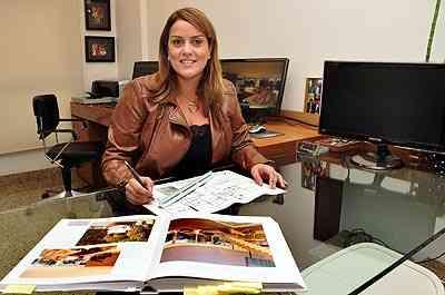 A arquiteta Juliana Goulart comenta que existem opções para a fixação dos aparelhos - Eduardo Almeida/RA Studio