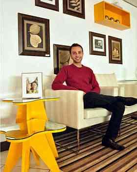 Rafael Cândido sugere um elemento de destaque, como uma mesa de canto colorida  - Eduardo Almeida/RA Studio