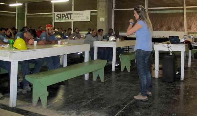 Izabela Frota, engenheira de segurança do Seconci-MG, fez palestra sobre ruído ocupacional - Arquivo Pessoal