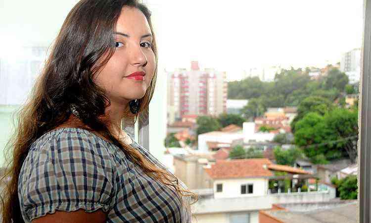 Rafaela Cordeiro, de 20 anos, mudou-se do Barreiro para o Minas Brasil para poder conciliar a faculdade com o estágio - Cristina Horta/EM/D.A Press