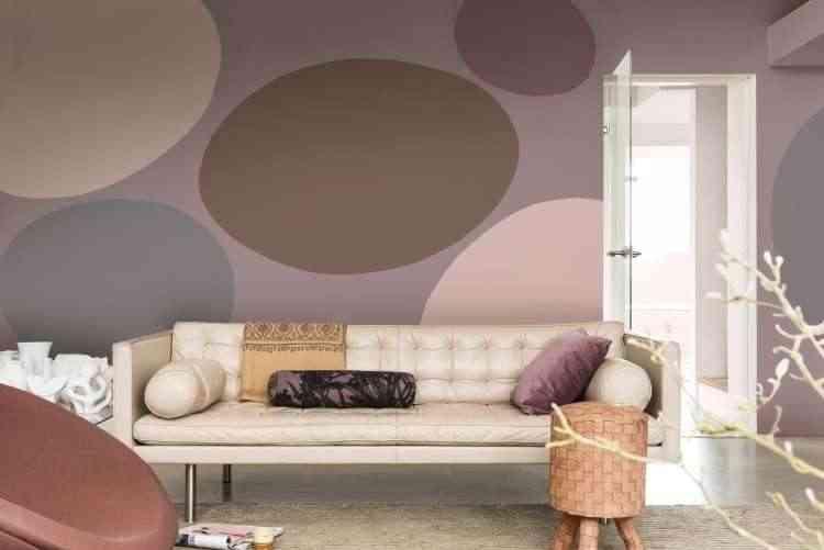 Nesta sala, a cor de 2018 é a estrela levando modernidade e grafismo com um ar de contemporaneidade  - Coral/Divulgação