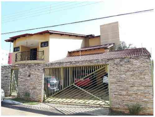 Casa, 4 Quartos, 8 Vagas, 4 Suites