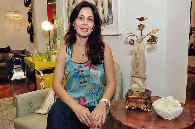 Para a designer de interiores Ana Karin Chaves, projeto de iluminação é fundamental para dar destaque às peças - Eduardo de Almeida/RA studio