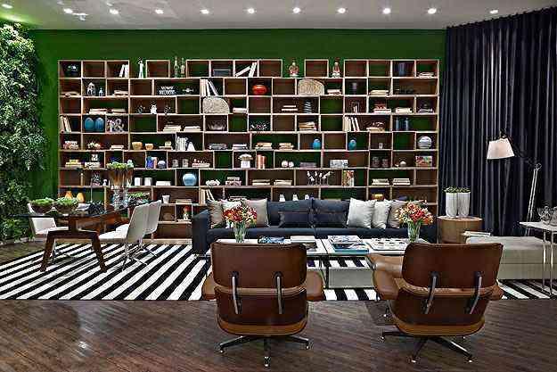 A designer de interiores Denise Vilela lembra que os livros fazem parte da decoração, seja qual for o ambiente  - Lider Interiores/Divulgação