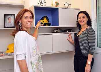 As arquitetas Patrícia Guerra e Roziane Faleiro afirmam que os nichos servem para quebrar o ritmo em uma parede - Eduardo Almeida/RA Studio