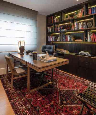 Para o escritório, a aposta é o tapete persa, modelo Shiraz, que é o estilo queridinho para esse tipo de ambiente - Daniel Mansur/Divulgação