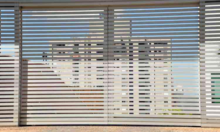Para quem quer gastar pouco, combinação portão/interfone é prioridade - Eduardo de Almeida/RA studio