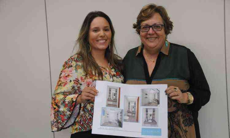 Arquiteta Camila Bignoto entrega o projeto para a assinante Eloisa Elena Pereira Fontão - Beto Novaes/EM/D.A Press