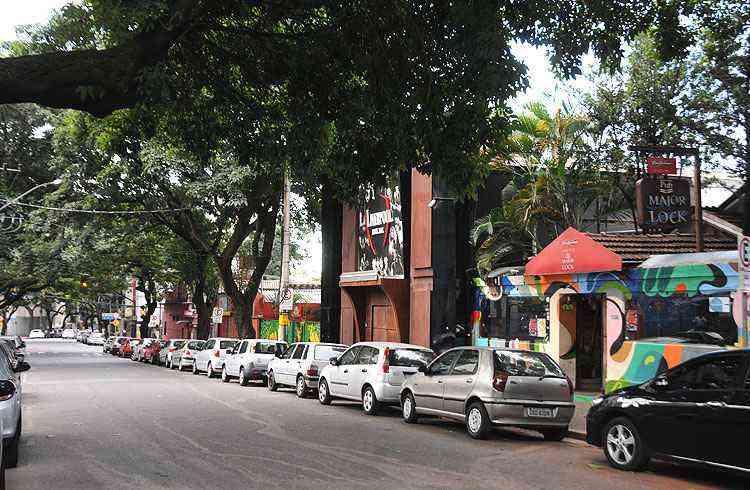 Rua Major Lopes atrai o público pelo comércio diversificado, bares, restaurantes e boates - Cristina Horta/EM/D.A Press