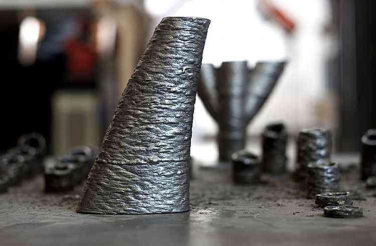 Um zoom no componente de aço feito pela máquina - MX3D/Divulgação