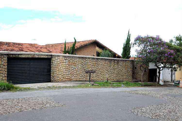 Faixa residencial é praticamente formada por casas construídas em lotes grandes - RAMON LISBOA/EM/D.A PRESS