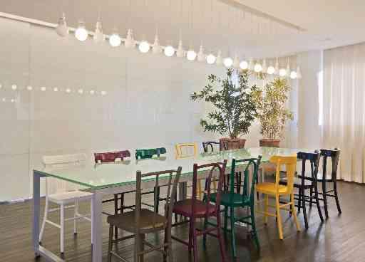 Nos projetos da arquiteta Marina Dubal, a iluminação leva em conta os hábitos e estilo de vida dos moradores  - Henrique Queiroga/Divulgação