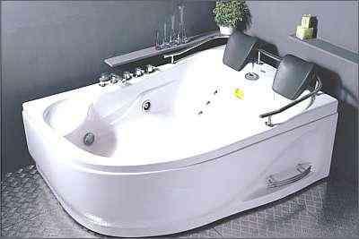 Banheiras têm iluminação especial para cromoterapia - Heaven Spas/Divulgação