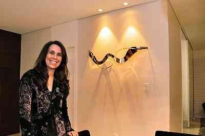 A designer de interiores Iara Santos recomenda a iluminação de foco para destacar as paredes - Eduardo Almeida/RA Studio
