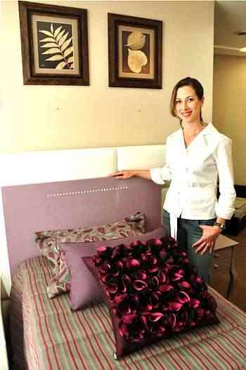 A designer Fernanda Berni diz que painel como cabeceira precisam ter desenho simples - Eduardo Almeida/RA Studiio