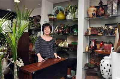 """Maria Angélica, da Volendam, dá a dica para economizar: """"Alguns móveis podem ser reciclados, mudando tecido, cores e até forma"""" - Eduardo Almeida / RA Studio"""
