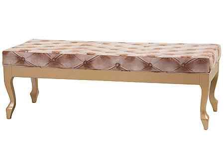 Mesas de pé de cama em capitonê fogem do convencional e são refinadas. Produto da Lider Interiores - Lider Interiores/Divulgação