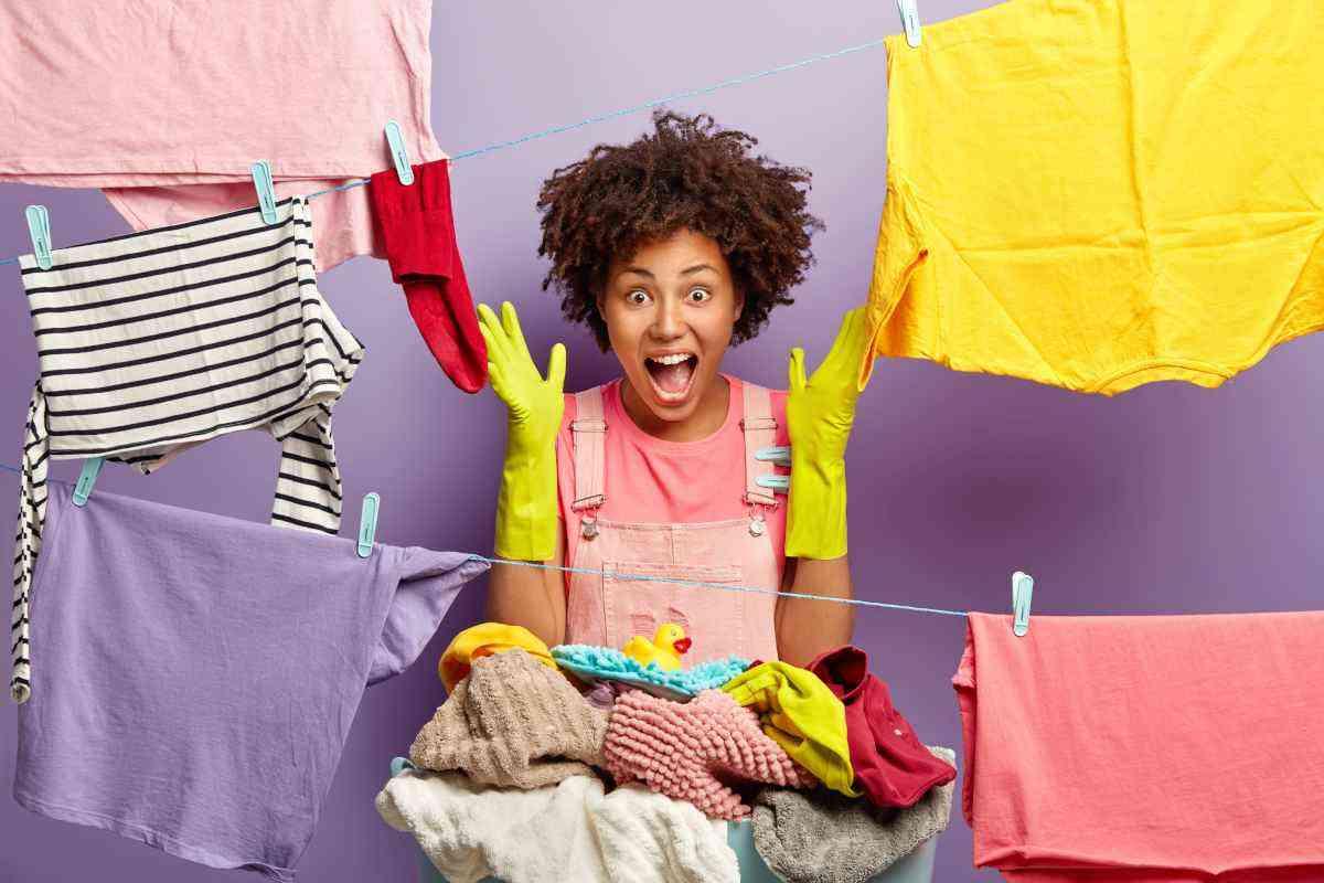 Como secar roupas mais rápido em apartamento pequeno - Freepik