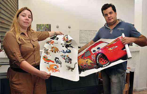 Sócios da BH Adesivos, Fabrício Vaz e Sônia Reis contam que perceberam esta tendência no mercado de decoração, e criaram, em 2011, o site focado em Belo Horizonte - Eduardo Almeida/RA Studio